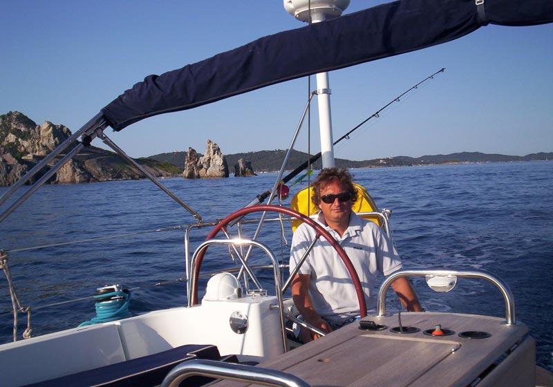 Paolo Masella sulla sua barca